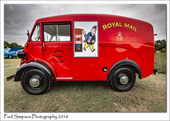 1956 Morris Commercial Royal Mail van (Paul Simpson Photography) Tags: morriscommercial royalmail stamps postoffice van classic 1950s british classiccar red paulsimpsonphotography sonya77 lincolnshire carshow august 2018 imagesof imageof photoof photosof transport commercial mailvan transportation carsfromengland uk britishcars 50s old vintage