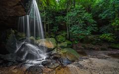 Oaklands Falls (Bezzzman) Tags: oaklands falls hazelbrook blue mountains sydney nsw mid glow worms bushwalk long exposure australia