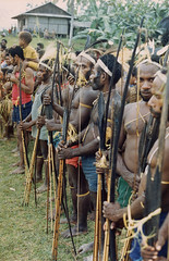 Muyu-Mandobo-008a (Stichting Papua Erfgoed) Tags: stichtingpapuaerfgoed pace pietvanmensvoort msc papua nieuwguinea nederlandsnieuwguinea irianjaya papuaheritagefoundation voormalignederlandsnieuwguinea irianbarat anthonyvankampen
