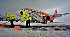 Snow Clearing, Newcastle Airport March 2018. (ManOfYorkshire) Tags: easyjet aircraft jet jetliner aeroplane snow winter 2018 clear clearing swissport steps