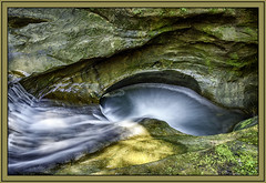 Devil's bathtub in Hocking Hills State Park (TAC.Photography) Tags: hdr swirlingwater pool rockformation stream flowingwater smallfalls hockinghills hockinghillsstatepark ohio ohiostateparks devilsbathtub