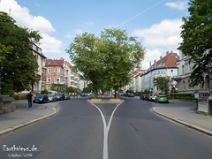 A few days to go .... (Stefan Beckhusen) Tags: braunschweig brunswick city town alley street road trees germany line