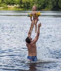 Sonya jumping / Сонины прыжки (dmilokt) Tags: портрет portrait ребенок child dmilokt nikon d750