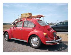 VW 1300 Käfer - I (macfred64) Tags: red film analog mediumformat 120 color vw1300 bug käfer vintagecar fujiga645wi fujinon45mmf4 kodakektar100 thenetherlands sneek