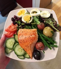 Salmon Niçoise salad with Champagne vinaigrette — I added a hard boiled egg & a bit of fresh lemon to the recipe #platedpics #foodporn 🍋🍅 (JLPoole) Tags: platedpics foodporn salmon niçoise plated dinner
