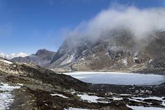 summit dreams (Henry der Mops) Tags: 90a7944 langtangnationalpark landscape berge berglandschaft mountain mountainlandscape mountains bergkette langtanggosainkundatrek canoneos7dmarkii henrydermops mplez schnee snow langtanghimal laurebinala4650m nepal asien asia see