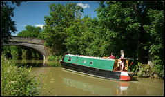 MALVERN, Oxford Canal (Jason 87030) Tags: unioncanalcarrierslimited ltd braunston willoughby oxfordcanal cut trees water reflection hire craft leisure vessel 2018 84 bridge people girl green color colour local june weather brickwork boat image uk england english scene frame border pic photo sony alpha malvern ilce nex lens tag flickr