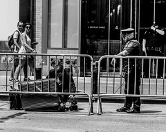 (street photo ny) Tags: new york city nikonusa nikon d7200 2485mm street photography foto callejera black white