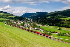 1144.xxx-x + 1144.xxx-x + 1x16.xxx-x ÖBB, Spital am Semmering (cz.fabijan) Tags: railway železnice train vlak bahn zug lokomotiva locomotive elektrická střídavá rakousko austria österreich at öbb österreichischebundesbahnen semmering semmeringbahn kbs500 trať500 řada1144 br1144 taurus spital am steiermark štýrsko