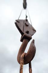 20180715_101642-X-T2-1635.jpg (Erwin Schoonderwaldt) Tags: pulley iron hunnebo westcoast filmsimulation stenhuggarmuseet fujifilm rocks hook västkust museum crane rusty rust machines engineering openair classicchrome sweden