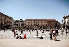 Duomo square Milano blazing in the summer sun (marionvankempen) Tags: milano atmosphere italy city people summer throughherlens
