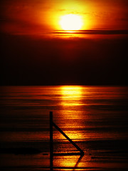 DSC04741 (Shan B.) Tags: fleetwood blackpool sunset sun sunlight dusk water reflection orange glow coast coastal irish sea