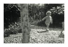 Vicenza 1936 (dindolina) Tags: italia italy veneto vicenza giardino garden family famiglia vignato gemelli twins history storia 1936 1930s annitrenta thirties vintage