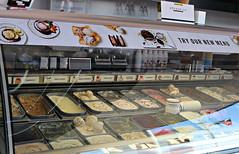 2018 Sydney: Darling Harbour shops (dominotic) Tags: 2018 darlingharbour food yᑌᗰᗰy mövenpickicecream harboursideshops sydney nsw australia newsouthwales