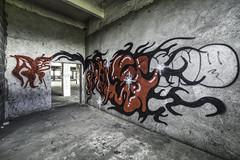 Graf rouge (oliv86) Tags: abandon lost decay batiment industriel atelier graf grafitti street art urbex a7 longueur verriere france étage vieux ancien barre escalier porte poteau jocker tag squatt fete zone area béton old