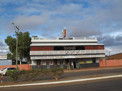 Pub 1899 at Meekatharra WA (spelio) Tags: australia remote wa western june 2011 pilbara travel