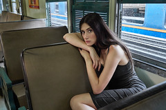 simple portrait of Dasha (Khun_K) Tags: portrait portraiture beauty beautiful beautifulgirl beautifulwoman trainstation