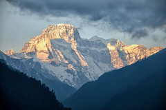 Bhutan: Mount Khang Bum II. (icarium.imagery) Tags: bhutan canoneos5dmarkiv bluehour buddhist captureone clouds himalayas khangboom khangbum layers leefilters gangboom drukyul gasavalley mountainrange mountains mysterious mystical nature pristine sigma sigma100400mmf563dgoshsm sundaylights