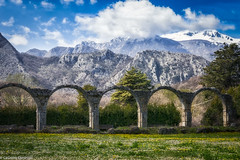 Scenario (SDB79) Tags: colonne mainarde montagna mura medioevo molise castel san vincenzo abazia
