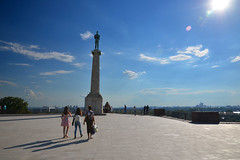 Kalemegdan viewpoint (Thomas Roland) Tags: statue view viewpoint udsigtspunkt sun sunny sol tourist holiday summer sommer ferie 2018 nikon d7000 europa europe serbia serbien beograd belgrade београд republika srbija република србија travel rejse trip city by nigh shot slow long exposure dark dusk reflection outdoor udsigt kalemegdan fortress београдска тврђава beogradska tvrđava citadel park