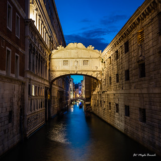 A must place in Venice - Ponte dei Sospiri