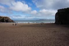 Castle Beach (Laocoonte) Tags: città galles mare nex3n regnounito sea sony tenby town uk wales