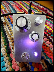 Cosmik Pink Fuzz 2000 (Moustache INC.) Tags: fuzz diy analogman sunface fuzzface bc108 bc108c tagboard distortion pedal pedalboard hendrix hammond 1590trpb