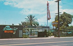 Vintage Postcard - Patio Motel - Long Beach, Calif. (hmdavid) Tags: vintage motel postcard patio longbeach california southerncalifornia signs divinglady roadside advertising midcentury pool arrow