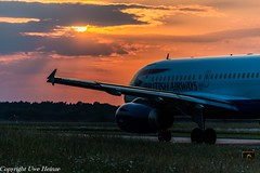 Sunset HAJ 25052018 (U. Heinze) Tags: aircraft airlines airways haj hannoverlangenhagenairporthaj eddv planespotting plane airplane flugzeug sunset nikon