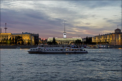 White nights of St. Petersburg. 23:05 (atardecer2018) Tags: санктпетербург 2018 нева лето sanpetersburgo summer city cielo russia river