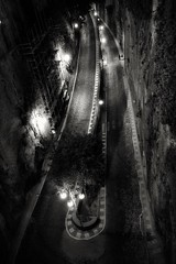 Hand in hand (leewoods106) Tags: sorrento italy amalficoast amalfi westerneurope europe lovers road streetlights