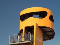 View Point (Torsten schlüter) Tags: deutschland hamburg hafencity baakenhafen baakenhafenbrücke baakenpark ausblick himmel blau gelb treppe zukunft freihand olympus 45mm 2018