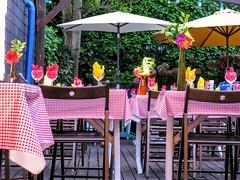 Buon Ferragosto! (Amaranta*) Tags: concarneau tavoli cucina ferragosto colori