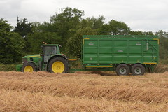 John Deere 7530 Tractor with a Broughan Engineering Mega HiSpeed Trailer (Shane Casey CK25) Tags: john deere 7530 tractor broughan engineering mega hispeed trailer traktor traktori tracteur trekker trator ciągnik winter barley jd green castletownroche grain harvest grain2018 grain18 harvest2018 harvest18 corn2018 corn crop tillage crops cereal cereals golden straw dust chaff county cork ireland irish farm farmer farming agri agriculture contractor field ground soil earth work working horse power horsepower hp pull pulling cut cutting knife blade blades machine machinery collect collecting nikon d7200