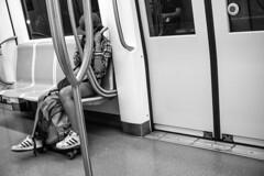 skater nel métro b/n1 (sergiogilleslacavalla) Tags: skate metropolitana ragazza roma treno