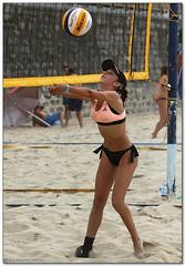 Volley Playa - 117 (Jose Juan Gurrutxaga) Tags: file:md5sum=f24295ccd2a0ec89b1519fe089575d89 file:sha1sig=633d402b87dabc031750ca7715181eda97baba85 volley playa beach hondartza boleibol voleibol semana grande zurriola donostia