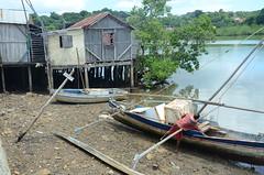 Hell-Ville (RarOiseau) Tags: madagascar nosybe port sable mer hellville bateau cabane saariysqualitypictures