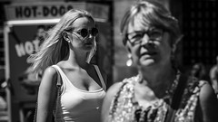Street portait Amsterdam 18-6-39 (Pieter van de Ruit) Tags: old double girl woman bw street sunglasses streetphotography streetportrait blackandwhite blond hair mokumgraaf beauty people young