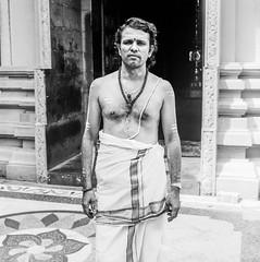 People of Sri Lanka 2 (Didier ANDRAU) Tags: sri lanka argentique analog yashica medium format portrait people photography personnes black white noir blanc monk hindou religion film kodak 400tx moyen bw box voyage travel street collier colombo temple 635 kodak400tx blackandwhite noiretblanc hindouisme 6x6