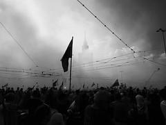 Warsaw Uprising 335.365 (ewitsoe) Tags: warsaw warszawa uprising memorial ceremony neverforget remember poland smoke palaceofcultureandscience crowd mobile samsunggalaxy8s ewitsoe erikwitsoe street monochrome blackandwhite mono