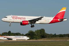 Iberia Express / A320 / EC-JFH / LFRS 03 (_Wouter Cooremans) Tags: nantes nte spotting spotter avgeek aviation airplanespotting iberia express a320 ecjfh lfrs 03 iberiaexpress