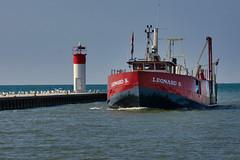 Bringing in the morning catch (KWPashuk) Tags: nikon d7200 tamron tamron18400mm lightroom luminar luminar2018 kwpashuk kevinpashuk boat trawler lighthouse lake erie ontario portdover canada outdoors vessel