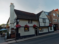 Leatherhead, Running Horse (Dayoff171) Tags: gbg2018 greatbritain gbg england europe surrey unitedkingdom boozers kt228bz