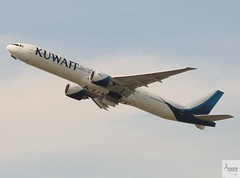 Kuwait Airways B777-369ER 9K-AOI taking off at LHR/EGLL (AviationEagle32) Tags: london londonheathrow londonheathrowairport heathrow heathrowairport lhr egll unitedkingdom uk airport aircraft airplanes apron aviation aeroplanes avp aviationphotography aviationlovers avgeek aviationgeek aeroplane airplane planespotting planes plane flying flickraviation flight vehicle tarmac kuwaitairways boeing boeing777 b777 b777300er b773er b773 777 b777369er 9kaoi takeoff