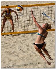 Volley Playa - 107 (Jose Juan Gurrutxaga) Tags: file:md5sum=596dabb9e7e330ac0376b8eec9a5eb63 file:sha1sig=ee3d7ad653beabebec78029c60494134e7b6c79e volley playa beach hondartza boleibol voleibol semana grande zurriola donostia