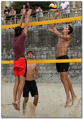 Volley Playa - 138 (Jose Juan Gurrutxaga) Tags: file:md5sum=ec98fef29e8ee73b13a490bed359096f file:sha1sig=020b74cb9aa5023aa1d372887749760c932b0c88 volley playa beach hondartza boleibol voleibol semana grande zurriola donostia