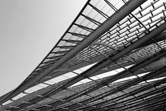 Les Halles (just.Luc) Tags: bn nb zw monochroom monotone monochrome bw metal metaal building gebouw gebäude bâtiment architectuur architecture architektur arquitectura parijs parigi paris îledefrance france frankrijk frankreich francia frança europa europe