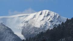 Face EST du Rothenbachkopf enneigé - zoom (ViveLaMontagne67) Tags: france vosges munster mittlach kastelberg rothenbachkopf sommet alpin blanc forêt corniche coulée hiver ensoleillé évaporation sunny winter forest white alpine mountain peak landscape sky snow 250v10f 500v20f