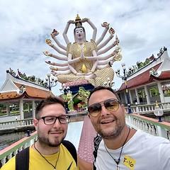 #nofilter #thailandia #thailand #kohsamui #dea #temple #templi #watplailaem #selfie #travelblog #diarioviaggi #travelblogger #eugeniobarzaghi #picoftheday http://bit.ly/2fF7ZSZ (Diario Viaggi) Tags: instagram travel diary diario viaggi diarioviaggi tour vacanze