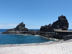 San Sebastian de la Gomera, Sziklaalakzatok a parton (ossian71) Tags: spanyolország spain kanáriszigetek canaryislands gomera lagomera sansebastian tengerpart coast tájkép landscape természet nature szikla rock